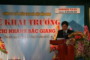 Khai truong taxi Bac Giang