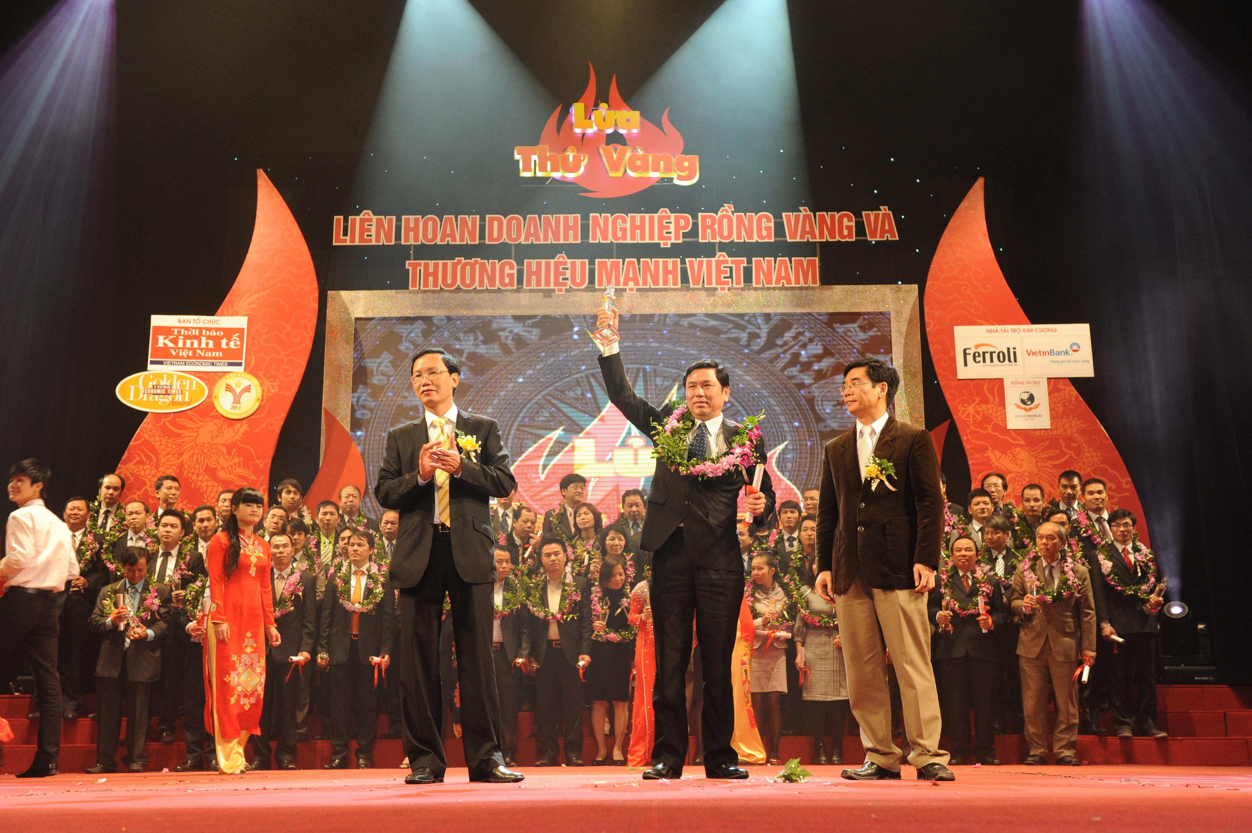 Taxi Group nhận giải thưởng Thương hiệu mạnh Việt Nam 2011